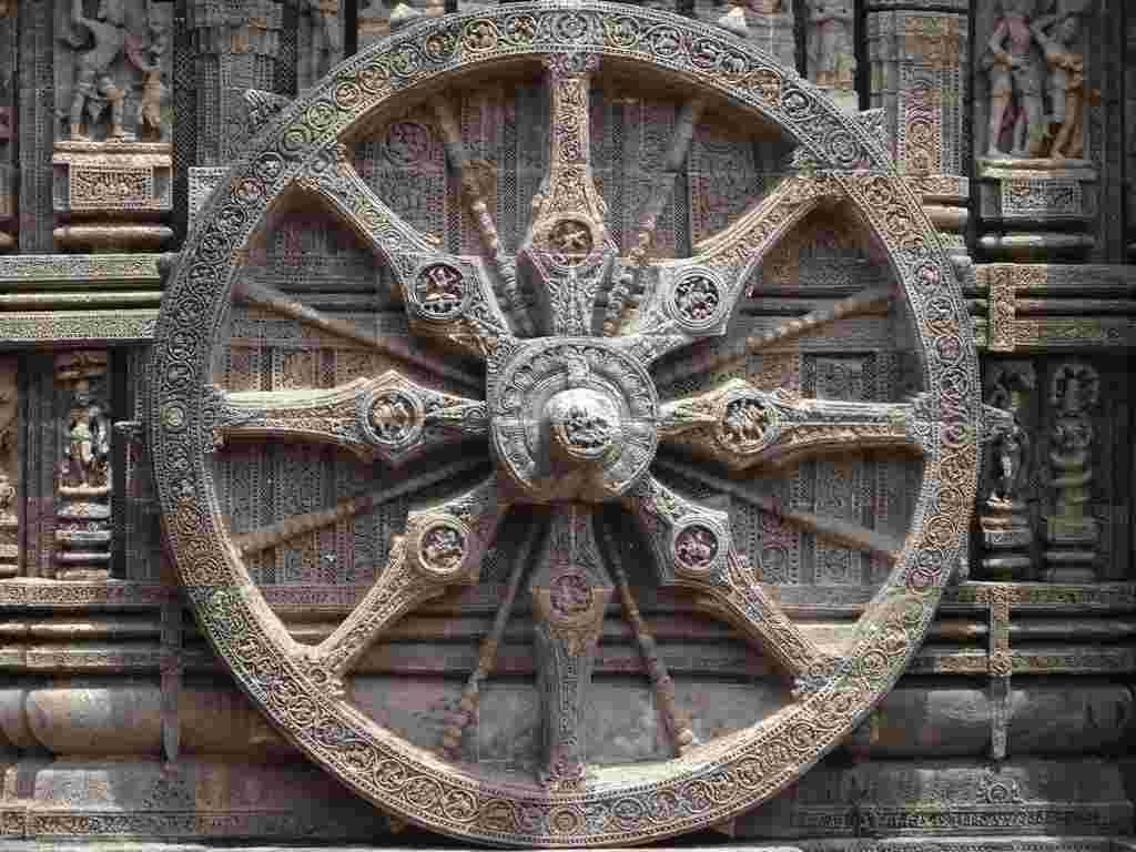 Chariot_wheel_of_Konark_temple-1.jpg